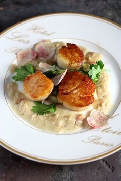 TOP 10 Most Pinned: Pan-Seared Sea Scallops with a Champagne Truffle Cream