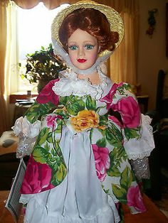"ROYAL ALBERT OLD COUNTRY ROSES ""ROSIE"" DOLL"