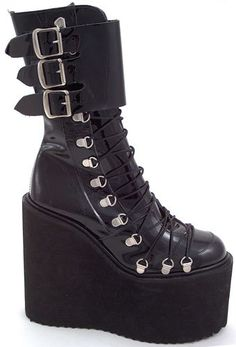 Pennangalan platform boots. Love the design but maybe if it wasn't so high