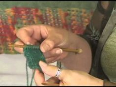 Jeanne from Jimmy Beans Wool Demonstrates How to Knit Without Turning Your Work. Jimmy Beans Wool is your LYS. Knitting For Dummies, Knitting Help, Knitting Videos, Crochet Videos, Knitting Stitches, Knitting Yarn, Knitting Projects, Hand Knitting, Knitting Patterns