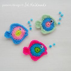 Fish Applique Crochet pattern PDF  Colorful crochet applique fishes pattern to embellishment children clothes, scrapbook summer applique or make a baby mobile wall decor!   PDF Pattern tutorial include: - Text instructions in American Crochet Standard Terms - Stitches Diagram - 10 pages full of PHOTOS step by step to make these little fishes and mobile  Stitches used in this tutorial: - slip stitch - chain - single crochet - half double crochet - double crochet - treble crochet   MATERIALS…