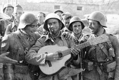 Singing songs of liberty and freedom, members of the International Brigade after the Battle of Guadalajara, Spanish Civil War Nerja Spain, Spanish War, Paranormal Experience, Guernica, Great Pictures, Illustrations, Military History, Historical Sites, World War Two