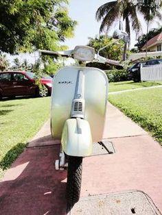 vintage 70s VESPA 50 Special piaggio Italian scooter