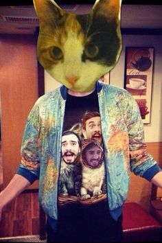 △ In a parallel universe, cats adore Kyle... △