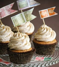 Sprinkle Bakes: Pumpkin Brown Butter Cupcakes with Cinnamon Frosting. They lean away from being like muffins. Butter Cupcakes, Yummy Cupcakes, Butter Frosting, Amazing Cupcakes, Cupcake Recipes, Cupcake Cakes, Dessert Recipes, Cupcake Flags, Baby Cakes