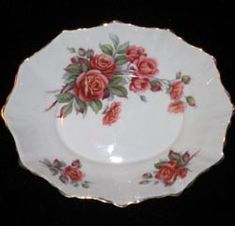 Royal Albert - Centennial Rose Created especially for Canada's Centennial in 1967 to 1981 Plate Wall Decor, Plates On Wall, China Sets, Royal Albert, Fine Porcelain, Fine China, Bowls, Tea Pots, Decorative Plates