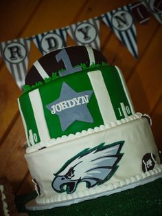 What a great way to celebrate a birthday! Thanks for pinning this #Eagles cake, Robyn!