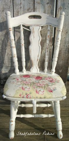 Vintage Shabby French painted white chair. Ralph Lauren Fabric. Vintage Accent dining room chair
