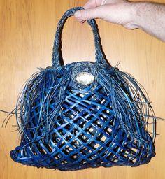 Other Harakeke (NZ Flax)/Muka - Isabel Fernandes-Day Flax Weaving, Maori Designs, Wicker Baskets, Knots, Macrame, Ideas, Decor, Linen Fabric, Decoration