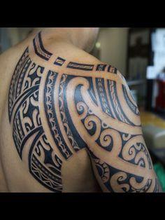 Tato Tribal Batik Di Lengan Apa Anda Juga Termasuk Orang Orang Yang Menyukai Tatto 16 Tato Keren Para Yakuza Jepang In In 2021 Island Tattoo Polynesian Tattoo Tattoos