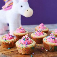 Savory magic cake with roasted peppers and tandoori - Clean Eating Snacks Diy Unicorn, Unicorn Foods, Magical Unicorn, Unicorn Crafts, Unicorn Poop Cookies, Cupcakes Lindos, Cookie Recipes, Dessert Recipes, Snacks Sains