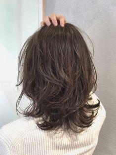 Haircuts For Medium Length Hair, Short Wavy Hair, Medium Hair Cuts, Medium Hair Styles, Curly Hair Styles, Rachel Haircut, Lob Hairstyle, Aesthetic Hair, Cut My Hair