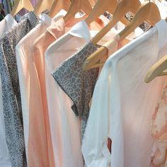 Colour range of greys whites and peach shades in print and plain colour. ⠀ #naturaldyes #organiccotton #vegan #fairmade #DIY #print #handmade #detailing #colour #peach #grey #white #colour #colourrange #textiledesign #textileprint #ecofashion #cool