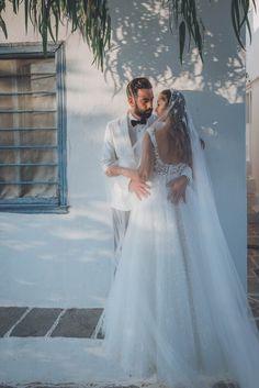Δείτε περισσότερα για το Studio Tselios, στο www.GamosPortal.gr! Studio, Wedding Dresses, Fashion, Bride Dresses, Moda, Bridal Gowns, Fashion Styles, Weeding Dresses, Studios