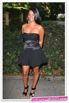 Nia Long, she is one of few celebs that can rock their hair short or long and still look great!!