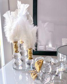 Crystal Design, Crystal Decor, Crystals In The Home, Black Crystals, Luxury Home Decor, Luxury Homes, Home Decor Accessories, Decorative Accessories, Pineapple Design