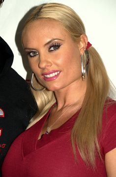 Nicole Natalie Marrow (Tarzana, California, 17 de marzo de 1979),1 más conocida como Coco Austin, Coco, Coco Marie Austin, Coco Marie o Coco-T, es una actriz, bailarina, y modelo estadounidense.