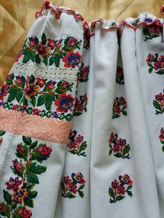 Polish Embroidery, Embroidery Patterns, Textiles, Russian Fashion, Culture, Gowns, Costumes, Popular, Traditional