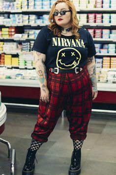 - Plus Size Fashion & Dress Alternative Outfits, Alternative Mode, Alternative Fashion, Plus Size Grunge, Plus Size Goth, Look Plus Size, Grunge Winter Outfits, Curvy Outfits, Plus Size Outfits