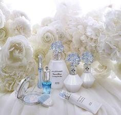 Crystal Bloom Something Pure Blue limited items | NEW ITEM | JILL STUART Beauty 公式サイト