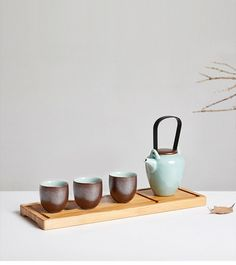 Handmade in Longquan - Set of celadon teaware/ tea set/ 1 teapot/ 4 teacups - by DONGTU Chinese Tea, Chinese Style, Coffee Cups, Tea Cups, Tea Canisters, Teapots And Cups, Tea Caddy, Jar Storage, Raw Materials