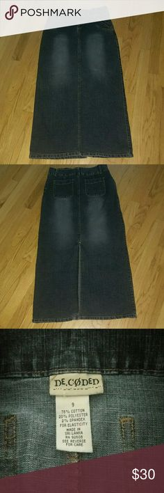 """Maxi jeans skirt junior size 9. Cute Maxi skirt for juniors, or any woman. Slit in front above knee. I'm 5'4"""" skirt goes down to my ankles. Very comfortable. Hugs your body. DE CODED Skirts Maxi"""