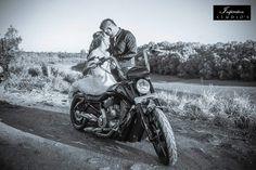 Wedding photography Motocross, Elegant Wedding, Wedding Styles, Wedding Planning, Wedding Photography, Peeps, Range, Art, Art Background