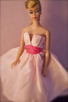 Barbie - Vintage Swirl Ponytail Barbie - Blonde