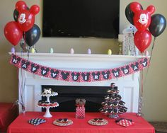 Mickey/Minnie Mouse theme party.    http://www.eventtrender.comd97