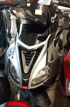 27 best scoot images on pinterest scooters mopeds and motorcycles aprilia sr 50 r fandeluxe Gallery
