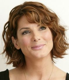 Short Hairstyles For Wavy Hair Entrancing Short Hairstyles For Oval Faces With Wavy Hair  Pinterest  Face