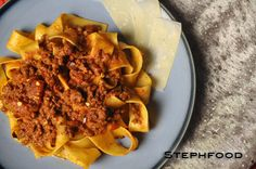 I Am Slowly Going Crazy, 123456 Switch! Slow Cooker Bolognese, Going Crazy, Waffles, Breakfast, Ethnic Recipes, Food, Morning Coffee, Essen, Waffle