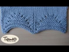 Borde para la parte baja de jerseys o chaquetas. Tejido en dos agujas - YouTube Lace Knitting Stitches, Knitting Paterns, Knitting Videos, Baby Knitting, Crochet Designs, Knitting Designs, Crochet Patterns, 123 Cross Stitch, Crochet Symbols