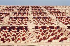 Façade de brique pour le bâtiment SAHRDC Les architectes d'Anagramme ont mené un projet unique de bâtiment SAHRDC (South asian human rights documentation centre) , une organisation non gouvernementales des droits de l'homme à NY-New Delhi (Inde). Une...