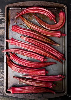 photo of red okra. Okra Recipes, Raw Food Recipes, Cooking Flower, Food Styling, Tutti Frutti, Creole Cooking, Strange Fruit, Eat To Live, Exotic Fruit