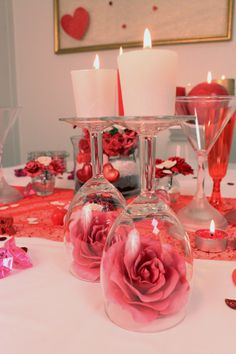 Homemade Valentine's Day Decorations - Party Ideas- Decorazioni di San Valentino fatte in casa – Idee per feste Homemade Valentine's Day Decorations – Party Ideas - Dinner Party Decorations, Valentines Day Decorations, Valentines Day Party, Romantic Surprise, Low Centerpieces, Homemade Valentines, Birthday Dinners, Birthday Gifts, Romantic Dinners