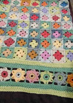 A blog about crochet, colour with lots of free patterns Crochet Blocks, Crochet Borders, Crochet Squares, Granny Squares, Crochet Bebe, Love Crochet, Diy Crochet, Loom Knitting, Knitting Patterns
