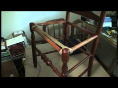 Rush Seat part 1 This is a really good video for Art when he tries to rerush a couuple ladder back chairs we have! Chair Repair, Furniture Repair, Woodworking Furniture, Furniture Makeover, Diy Furniture, Refurbished Furniture, Repurposed Furniture, Industrial Furniture, Traditional Chairs