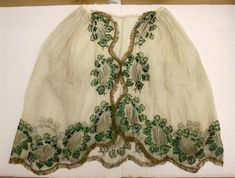 Overskirt embroidered with beetle wings the Textile Museum depot TwentseWelle, owned by Oudheidkamer Twente, Holland. 1870s Fashion, Victorian Fashion, Vintage Fashion, Medieval Fashion, Vintage Outfits, Vintage Dresses, Historical Costume, Historical Clothing, Civil War Dress