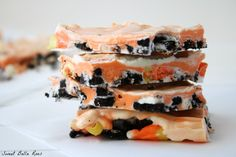 Candy Corn Cookie Bark- a festive, no bake treat #halloween #recipe