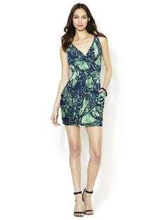 T-Bags Los Angeles Jersey Wrap Front Dress Size Medium for $109.99. No need to break the bank to snag a stylish piece you'll wear again and again. Lovely Jersey knit dress, detailed with gorgeous  blue/green graphic print and side pockets. A racer-back with spaghetti straps add a flirtatious look to this ultra feminine front wrap dress.  Nice to know you've got something in your closet perfect for dinner parties, date nights, and weekend getaways. All in one dress. Wrap Front Dress, Wrap Dress, T Bag, Jersey Knit Dress, Dinner Parties, Weekend Getaways, Spaghetti Straps, Blue Green, Fashion Dresses