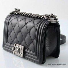 fdaa6d94bb66 Love me a Chanel Boy bag  Chanelhandbags Black Chanel Purse