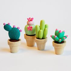 Cute cactus and succulents made out of polymer clay , fimo, premo Polymer Clay Kunst, Cute Polymer Clay, Cute Clay, Polymer Clay Miniatures, Fimo Clay, Polymer Clay Projects, Polymer Clay Charms, Polymer Clay Creations, Clay Crafts