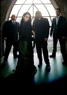 Evanessence  Amy Lee just makesd me want to sing!