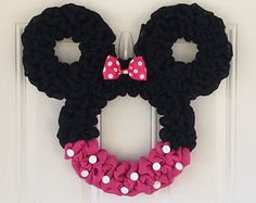 Minnie Mouse wreath  - Pink Minnie - Countdown to Disney - Personalized Minnie - party decor - nursery decor - Mickey mouse wreath