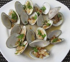 Beachloverkitchen: Steamed CherryStone Clams with Butter and Garlic