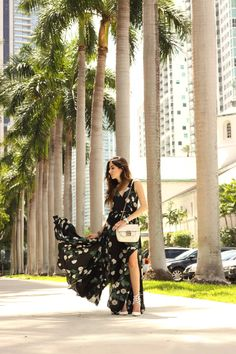 Summer outfit in Miami, wearing a gorgeous long floral dress from Lulu's. Love the soft fabric and the movement it makes while walking!