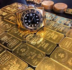 Gold Gold Gold by rolex. Luxury Watches, Rolex Watches, Make Money Blogging, How To Make Money, Gold Reserve, Money Stacks, Gold Money, Luxury Lifestyle Women, Gold Bullion