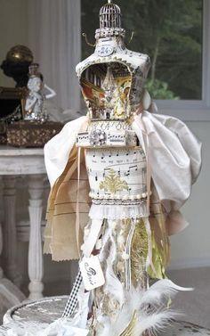 Marie Antoinette mini theater mannequin