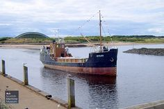 MV Kyles arriving in Irvine Harbour Kyle Of Lochalsh, Steam Boats, Abandoned Ships, Merchant Marine, Ferry Boat, Boat Projects, Maritime Museum, Navy Ships, Black Sea